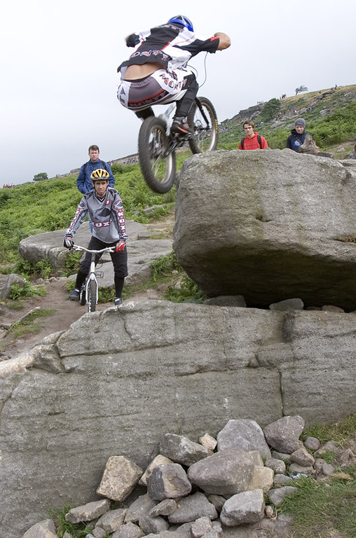 IMAGE: http://eventphotographer.smugmug.com/Sports/World-Cycle-trials-1/i-Ptdd5Zm/2/XL/IMG3753-XL.jpg